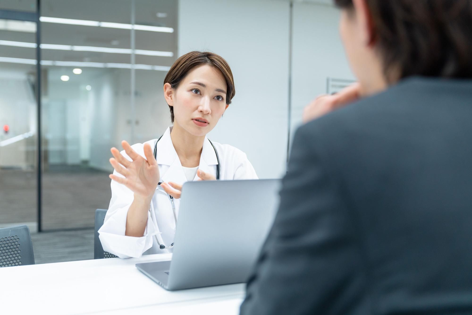 医師の転職相談にキャリアアドバイザーがおすすめである理由